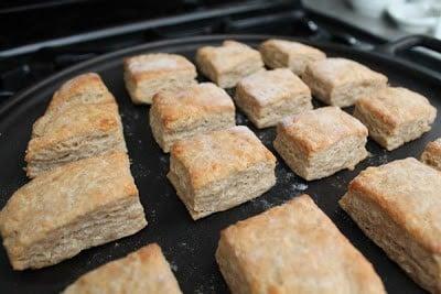 Recipe: Cheddar-garlic biscuits
